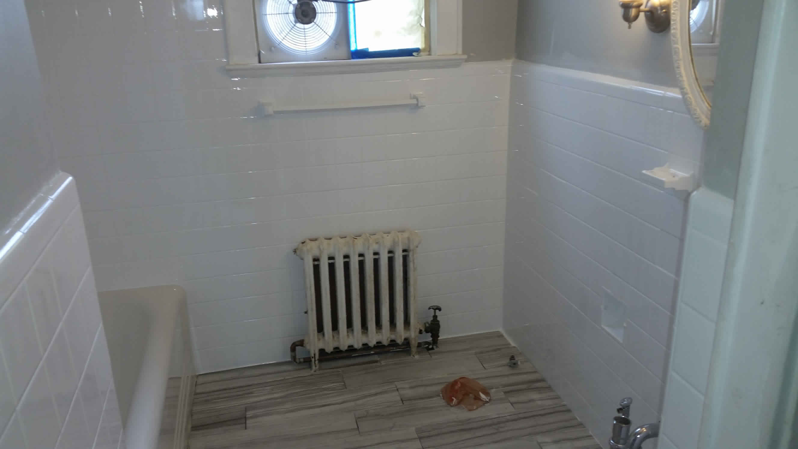 Transform an out-of-date bathroom with a bright new look! Call us today.